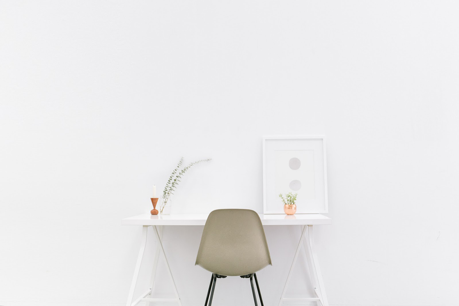 Minimalist living helps productivity and lifestyle